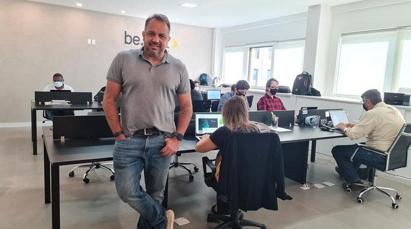 Startup brasileira desponta, abre operação nos EUA, e lança ferramenta inovadora para análise de métricas de assistentes de voz